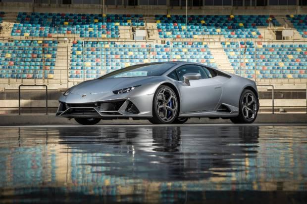 Alexa se estrena en el sector del automóvil con el Lamborghini Huracán EVO