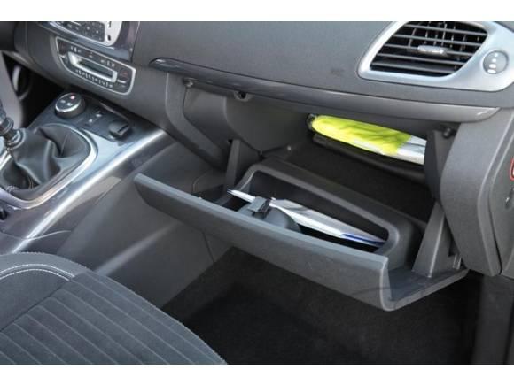 ¿Qué papeles es obligatorio llevar en el coche?