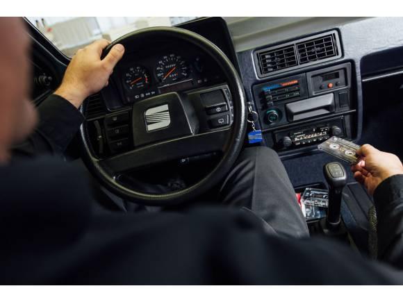 6 momentos de la historia de la radio en el coche