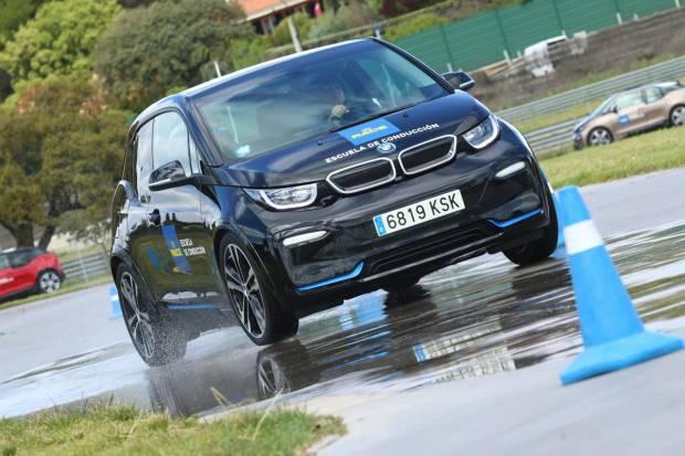 Nuevos cursos de conducción con coches eléctricos