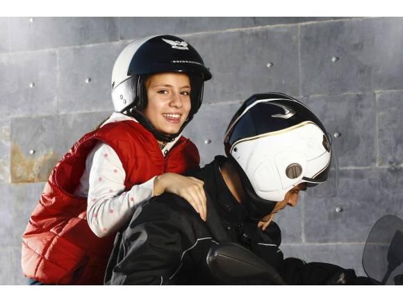 Consejos vuelta al cole: ¿Puedo llevar al niño en moto?