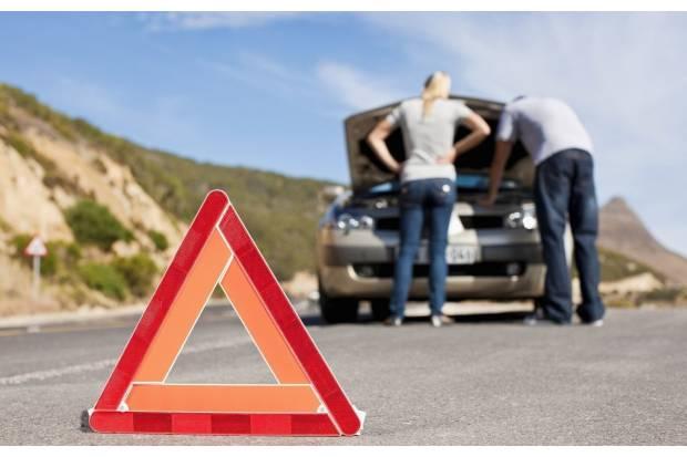 Elementos que debes llevar en el coche obligatoriamente para evitar multas
