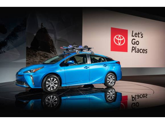 Nuevo Toyota Prius AWD-e: cambio de imagen y tracción total