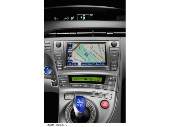Toyota Prius 2012, nuevo diseño y equipamiento