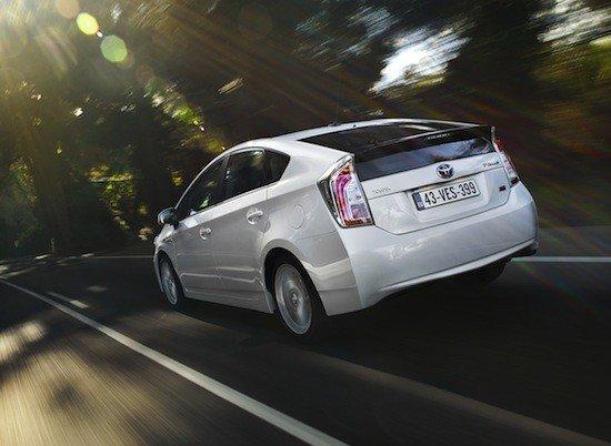 Se han dispuesto nuevos gráficos para controlar el gasto de combustible en el nuevo Toyota Prius.