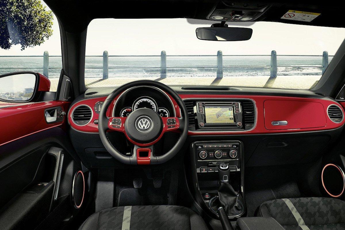 Volkswagen beetle 2017 interior