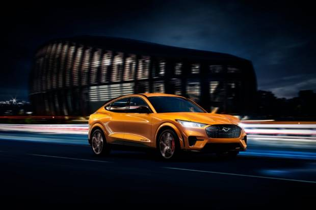Cyber Orange: el nuevo y espectacular color del Ford Mustang Mach-E