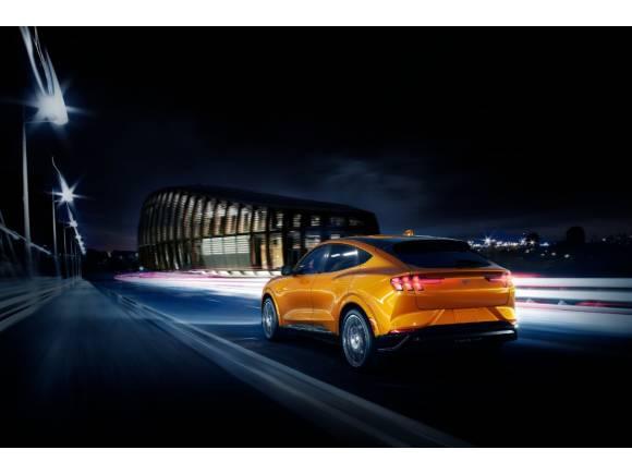 Cyber Orange: el nuevo y espectacular color del Ford Mustang Mach-E