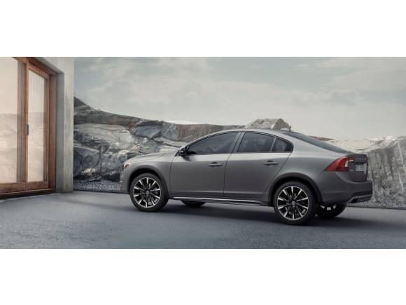 Volvo S60 Cross Country: no hace falta un SUV para salir al campo