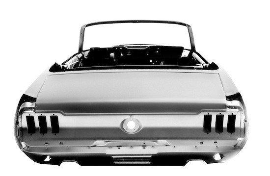 Por $15.995 tienes el chasis del ford Mustang del 67 nuevo, ahora falta el resto de piezas.