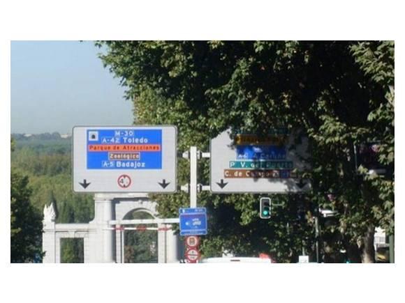 ¿Es necesario aumentar la letra de las señales para evitar accidentes?