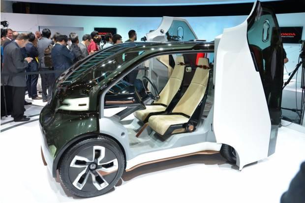 Honda NeuV Concept, un biplaza eléctrico con inteligencia artificial