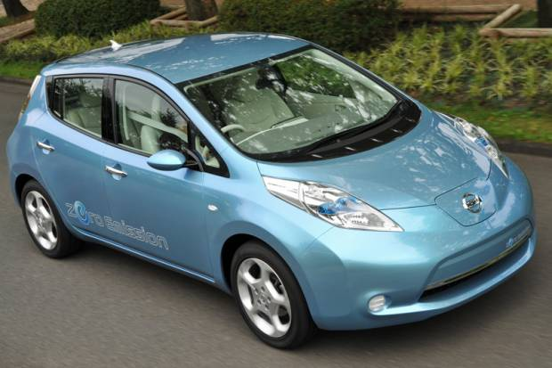 """Nissan """"pasa"""" de los híbridos y lanzará en 2010 un coche de """"cero emisiones"""""""