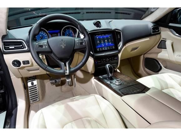 Nuevo Maserati Ghibli 2017, igual por fuera mejorado por dentro