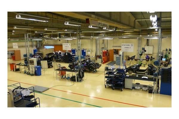 En la línea de producción de Koenigsegg sólo caben cuatro coches en diferentes fases de producción.