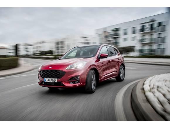 Ford llama a revisión  los Kuga PHEV por riesgo de incendio en sus baterías