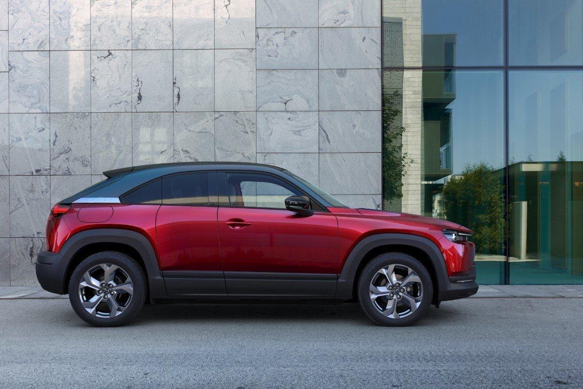 Mazda Carol EV