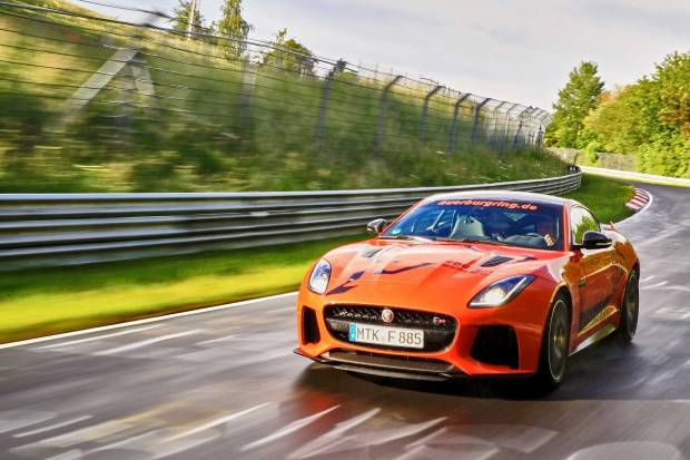 Súbete a un Jaguar F-TYPE SVR en Nürburgring por 295 euros