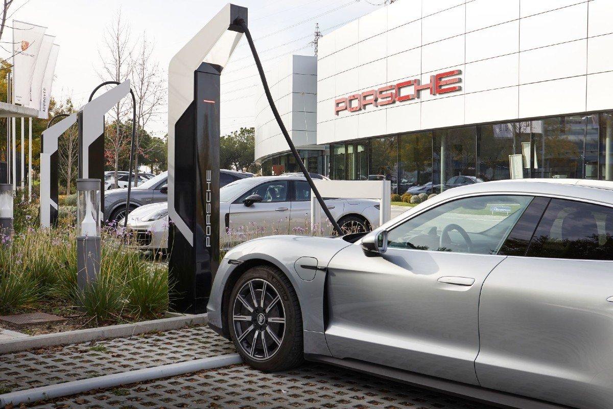 Porsche estacion de carga