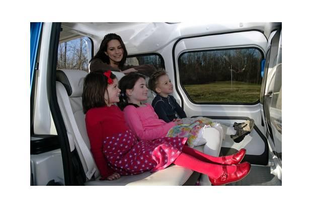 Ni os en el coche resolvemos todas tus dudas for Asientos ninos coche