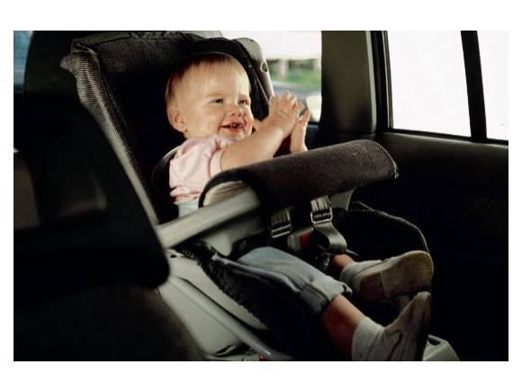 Niños en el coche: Resolvemos todas tus dudas