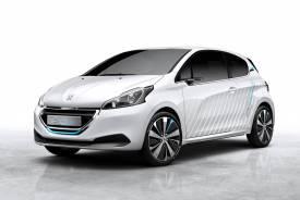 Un 208 que gasta 2 litros y nuevos motores, novedades de Peugeot para el Salón de París