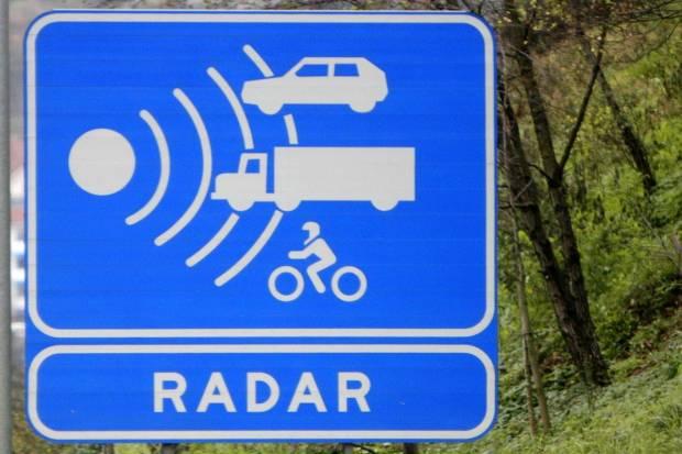 Habrá más radares en carreteras secundarias