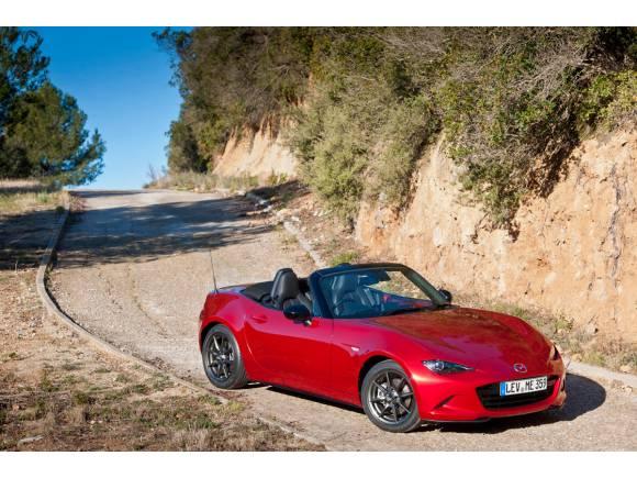 Salón de Barcelona: Mazda comienza preventa de CX-3 y MX-5