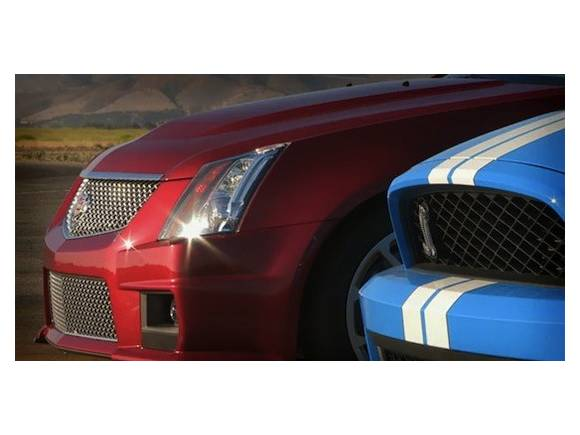 Vídeo: Cadillac CTS-V Coupé vs Shelby GT500