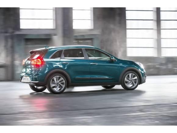 Comprar un coche híbrido: ofertas, claves, pros y contras