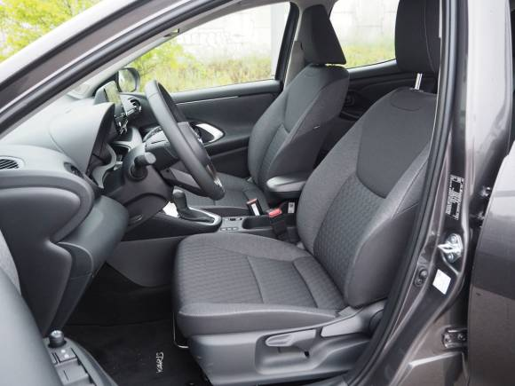 Prueba y opinión del Toyota Yaris Hybrid: mejor comportamiento y más eficiente
