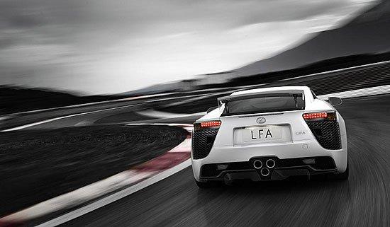 Lexus LFA en circuito