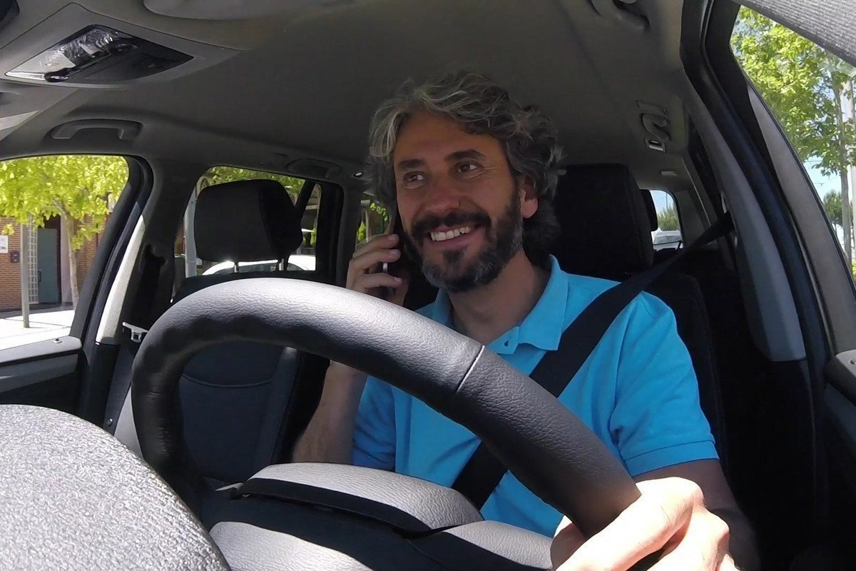 Distracciones al volante - Auto10