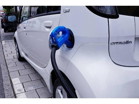 Europa supera por primera vez a China en venta de coches eléctricos