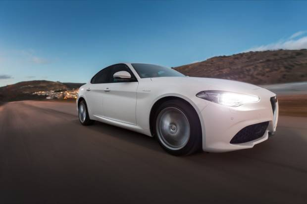 Prueba Alfa Romeo Giulia Veloce: la berlina más deportiva
