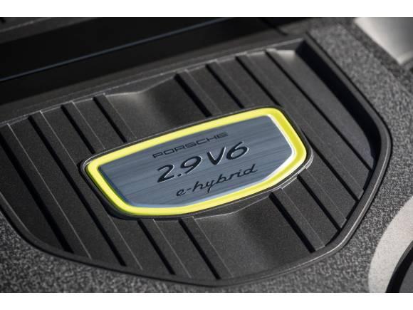 Prueba Porsche Panamera 4 E-Hybrid: pinta en verde