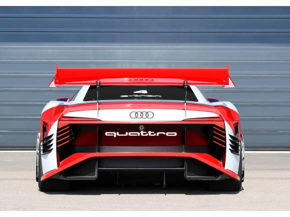 Audi e-tron Vision Gran Turismo: del asfalto virtual al real