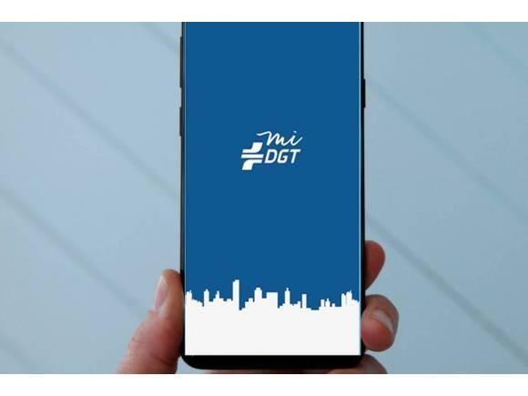 La app de la DGT permitirá recibir y pagar multas a través del smartphone