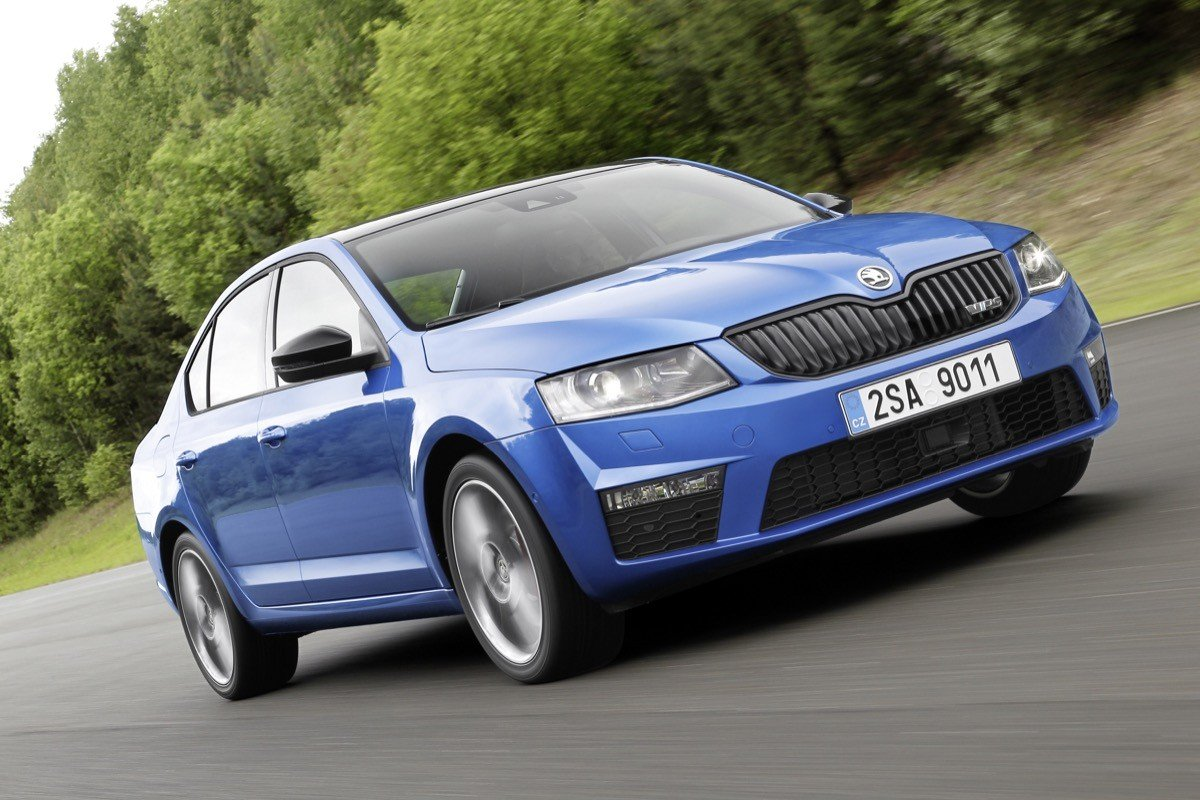 skoda octavia rs 2 0 tdi ahora 4x4 y con cambio dsg. Black Bedroom Furniture Sets. Home Design Ideas