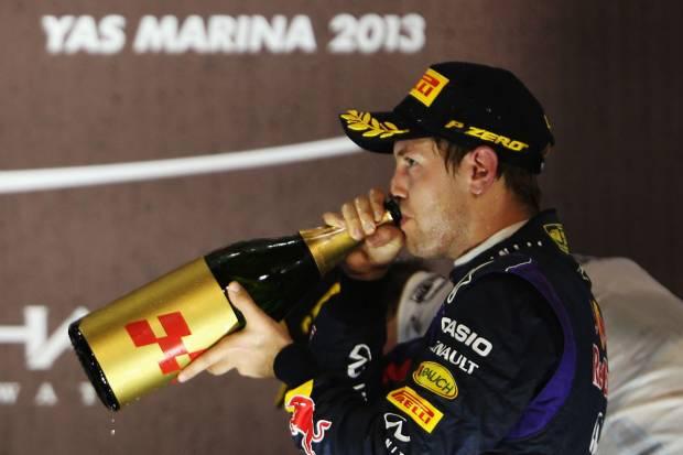 Fórmula 1 2013. Gran Premio de Abu Dhabi: Mercedes un punto por delante de Ferrari