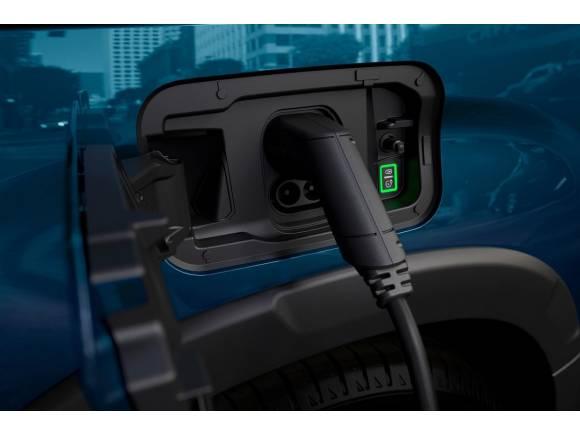 Así afecta la nueva tarifa eléctrica a la recarga de un coche eléctrico o PHEV en casa