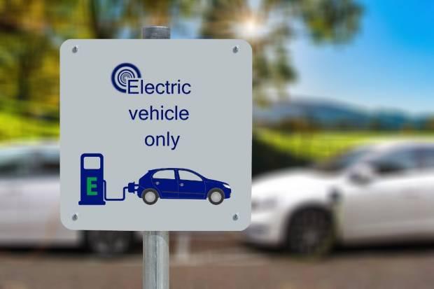 Razones y factores, según Arval, para que las flotas se pasen al coche eléctrico