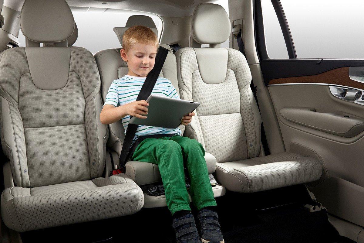 D nde coloco la silla infantil en el coche for Sillas para ninos para el coche