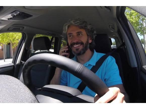 Uso del móvil en el coche: Principal factor de accidente y multas