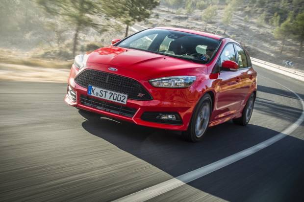 Los 10 coches deportivos con la potencia más barata