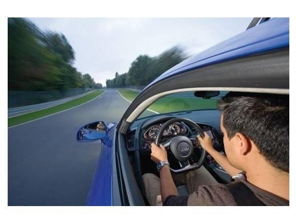 Coronavirus: ¿pueden ir dos personas a trabajar en el mismo coche?