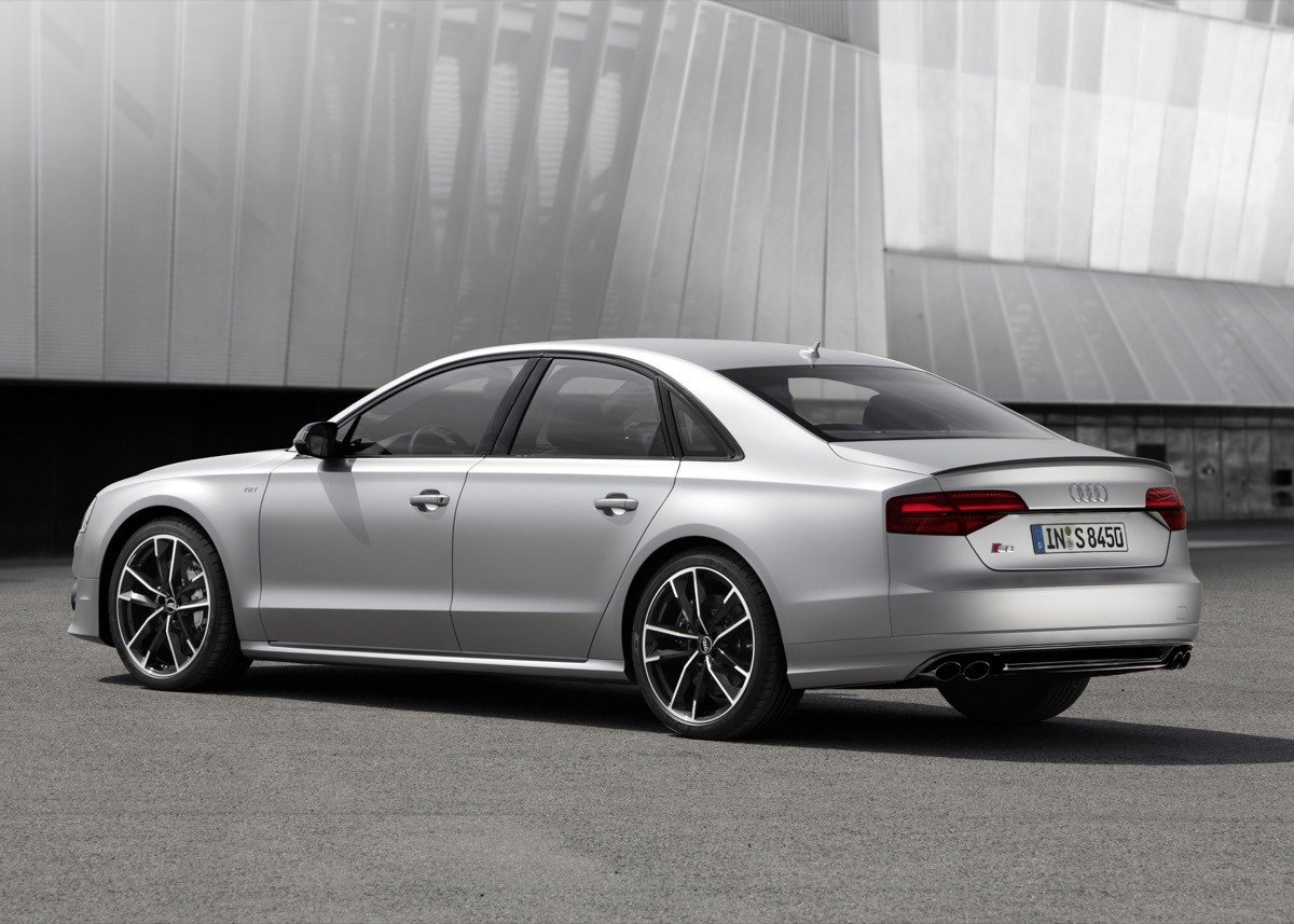 Audi S8 plus