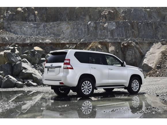 Nuevo Toyota Land Cruiser 2017, con más equipamiento