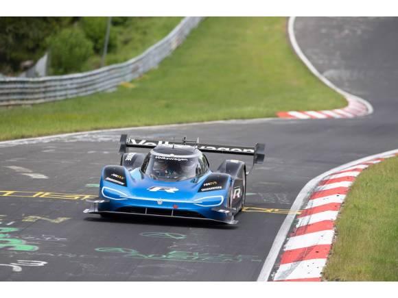 El Volkswagen ID.R se convierte en el eléctrico más rápido en Nürburgring