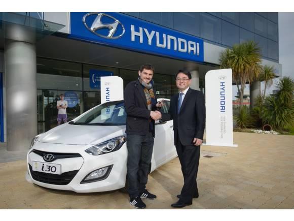 Casillas y el Hyundai i30. ¿Crea conflicto con Audi y el Real Madrid?